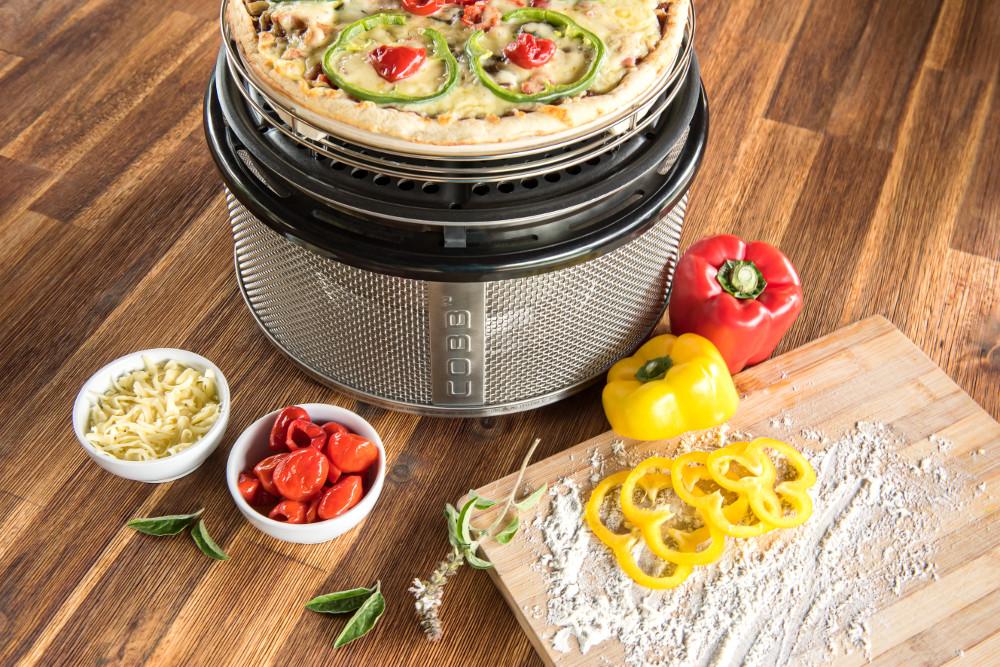Pizzastein Für Gasgrill : Die cobb pizzaplatte als hochwertigen pizzastein einsetzen cobb